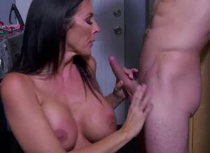 Reagan foxx stepmom