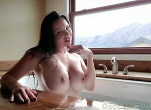 Rapaport nude alexandra Nudity in