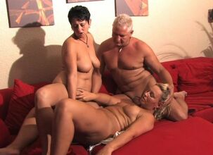 Mature swingers hd